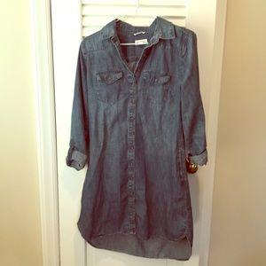 Jean dress size small